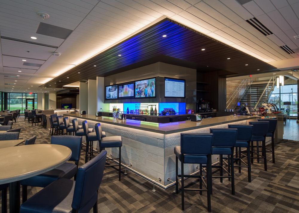 UM-Golfclub-Inside-Bar